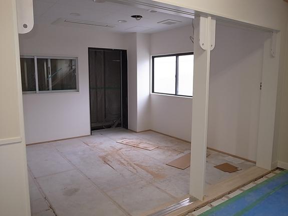 先週に引き続き改修部分の内装工事中です。