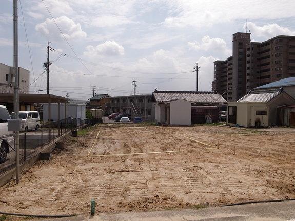 既設建物の解体と整地が完了です。