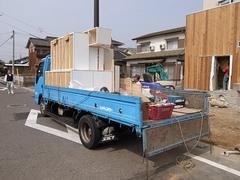 造作家具の搬入